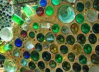 Необычный забор из бутылок