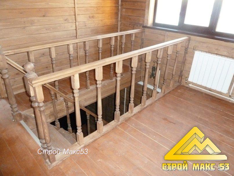 Лестница с мансардного этажа вниз