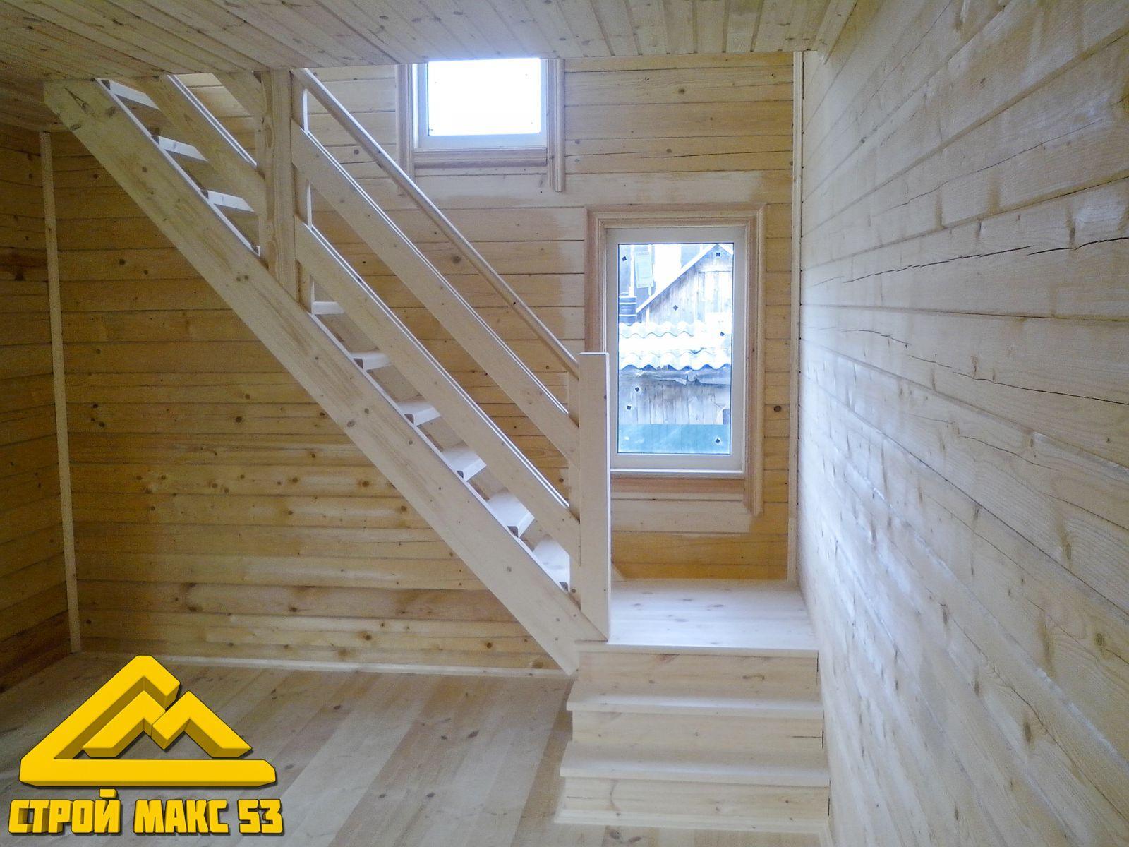 брусовой дом, лестница на второй этаж