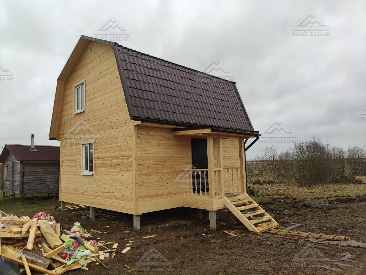 каркасный дом с ломаной крышей
